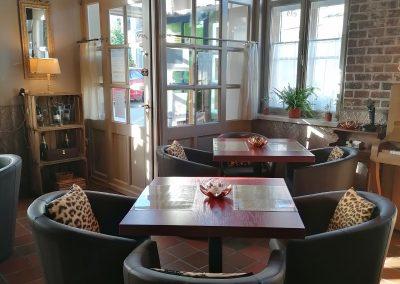 restaurant 1 400x284 - Home